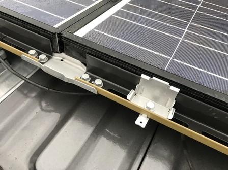 3981 シャープ太陽光 支持瓦D工法